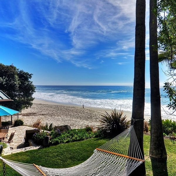 Irvine Cove, gated ocean front homes in Laguna Beach, CA