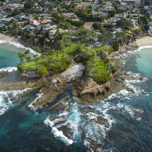 Twin Points, at 1101 Marine Drive in Laguna Beach, is located on a bluff between Crescent Bay and Shaw's Cove.///ADDITIONAL INFORMATION:  laguna.aerial Ð 07/16/15 Ð MARK RIGHTMIRE, THE ORANGE COUNTY REGISTERA unique Laguna Beach estate with two headlands projecting hundreds of feet into the Pacific Ocean sold today for a record-smashing $45 million.The home was priced at $75 million when it hit the market last June. The price dropped to $65 million in October and $45 million on November 30.A 3-bedroom cottage, originally built in 1928, and a guest house sit on the lush, 2.3-acre parcel between ShawÕs Cove and Crescent Bay.