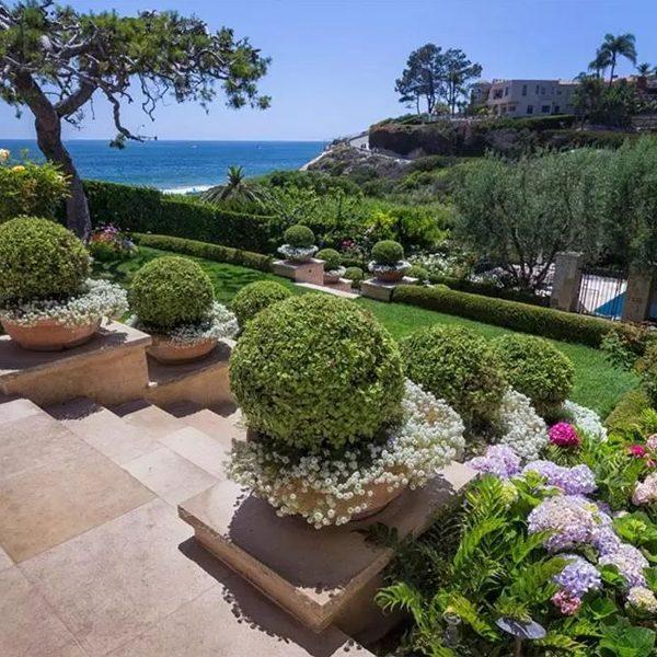 Pelican Point, Newport Beach, CA Homes for Sale by Laguna Coast Real Estate